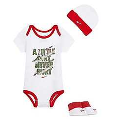 Nike - Baby boys' white three piece set