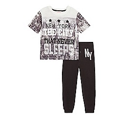 bluezoo - Boys' grey 'New York City' print pyjama top and black bottoms set