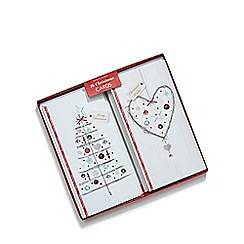 Debenhams - Set of 16 Christmas tree and heart cards
