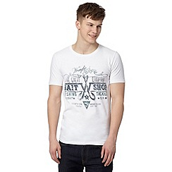 Wrangler - Big and tall white 'Bait Shop' print slim fit t-shirt