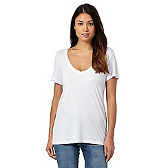 Levi's - White 'Perfect' V neck t-shirt