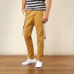 Levi's - Dark tan slim fit chinos with braces