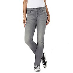 Wrangler - Grey straight fit 'Drew' mid waisted jeans