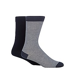 Levi's - Pack of two navy plain and fine striped ankle socks