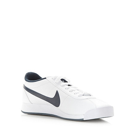 Nike - White leather lace up trainers