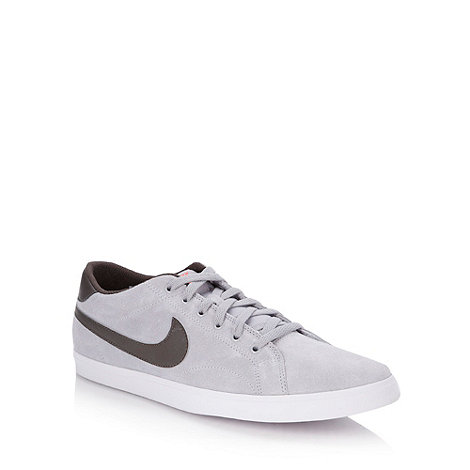 Nike - Grey +Eastham+ trainers