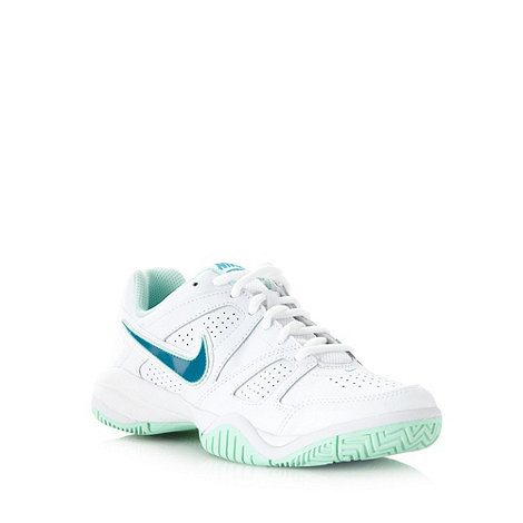Nike - Girl+s +City Court 7+ trainers