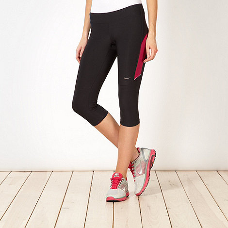 Nike - Black +Filament+ cropped capri pants