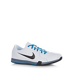 Nike - White 'Circuit II' trainers