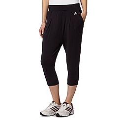 adidas - Black three quarter length sports pants