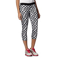 Nike - White printed capri pants