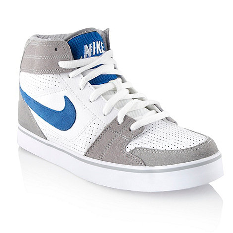 Nike - White +Ruckus+ padded high top trainers