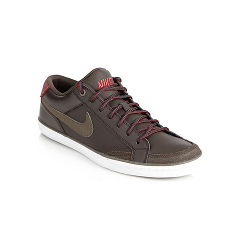 Nike - Brown +Capri+ trainers