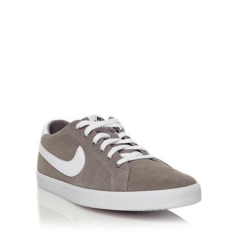 Nike - Grey +Eastham+ trainers