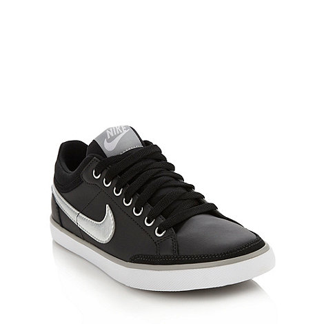 Nike - Black +Capri III+ trainers