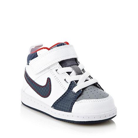 Nike - Boys+ white +Backboard 2+ trainers