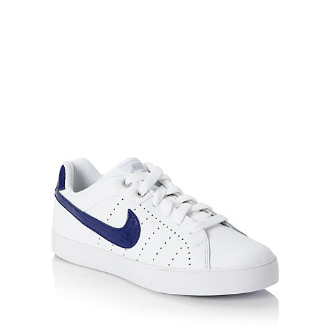 Nike - White +Court Tour+ trainers