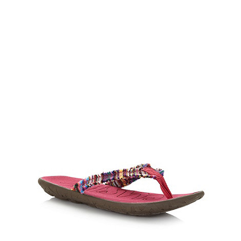 Cushe - Pink striped fray flip flops