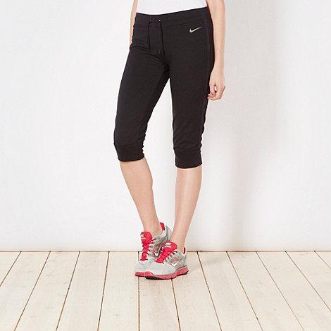 Nike - Black cuffed capri pants