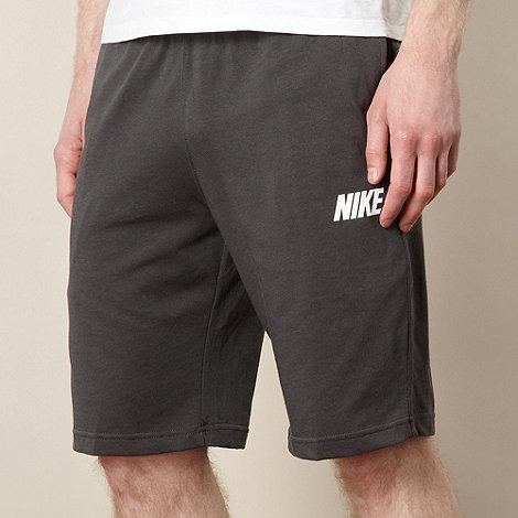 Nike - Grey logo shorts