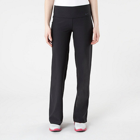 Nike - Black straight leg jogging bottoms