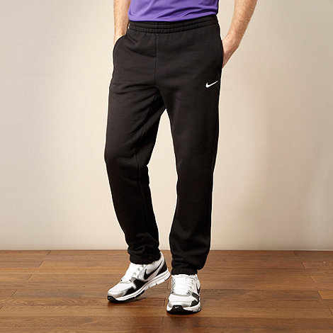 Nike - Black essential jogging bottoms