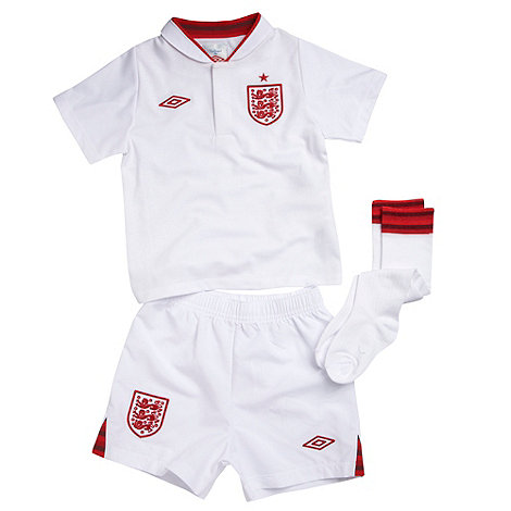 Umbro - Boy+s white +England+ kit