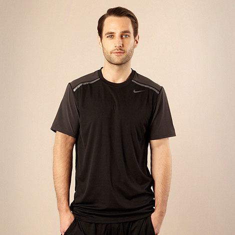Nike - Black striped shoulder t-shirt