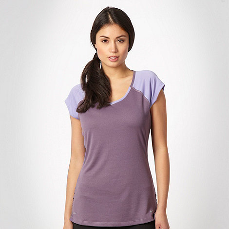 Nike - Lilac short raglan sleeved t-shirt
