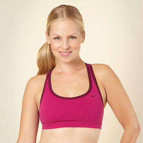 Nike - Pink racer back sports bra