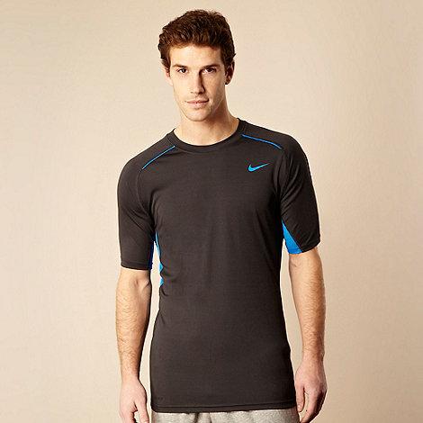 Nike - Dark grey breathable training t-shirt
