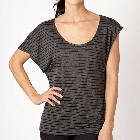 Nike - Dark grey striped t-shirt