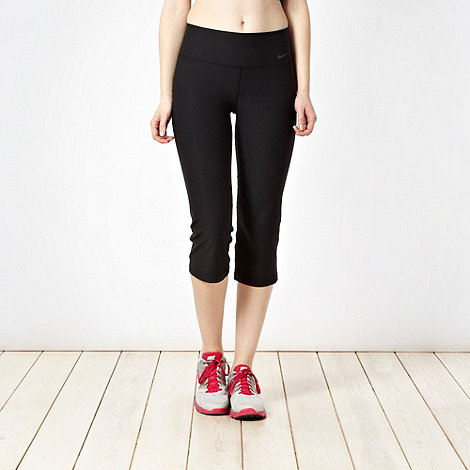 Nike - Black slim fit capri pants