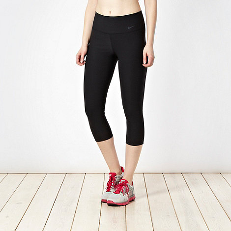 Nike - Black tight capri pants