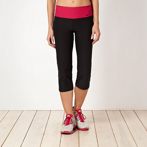 Nike - Black slim leg capri pants