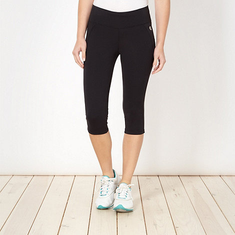 XPG by Jenni Falconer - Black performance tight capri leggings