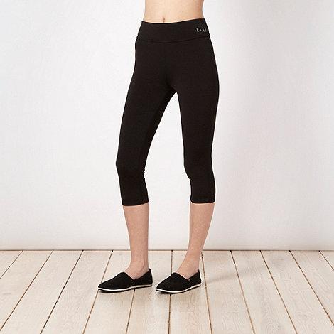 Elle Sport - Black deep waist capri pants