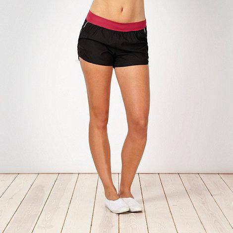 ASICS - Black contrast waist running shorts