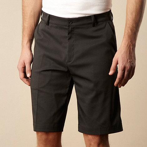 Nike - Black flat front shorts