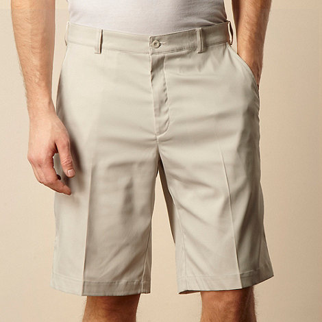 Nike - Cream Dri-fit shorts