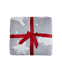Home Collection - Grey Christmas scene print fleece throw