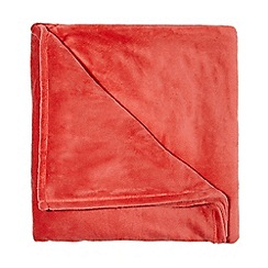 Home Collection Basics - Coral fleece throw