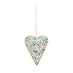 At home with Ashley Thomas - White metal floral heart hanging ornament