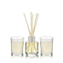 Debenhams - Fresh linen votives and diffuser gift set
