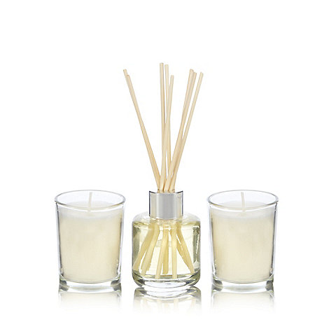 Home Collection - Fresh linen votive candles and diffuser set