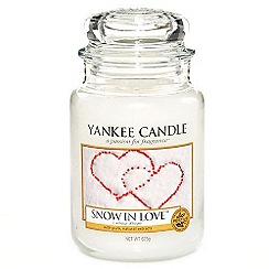 Yankee Candle - Classic 'Snow in Love' large jar candle