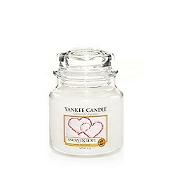 Yankee Candle - Classic 'Snow in Love' medium jar candle
