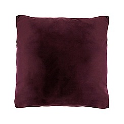 Home Collection - 50 x 50cm plum velvet cushion