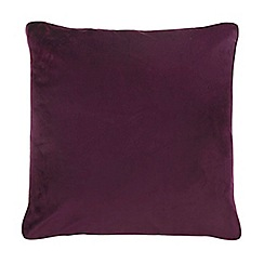 Home Collection - 60 x 60cm plum velvet cushion