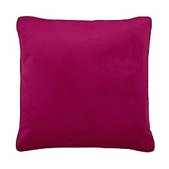 Home Collection - 60 x 60cm hot pink velvet cushion